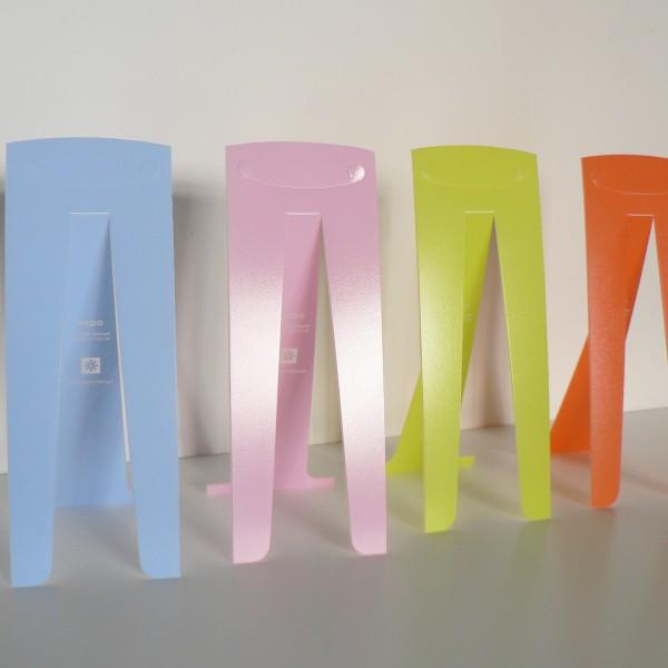 photo-produit-expo-color-chevalet-plastique-bleu-ciel-rose-vert-anis-orange-pascal-grossiord-design-avec-plaisir-design-1110677